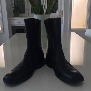 Men's BORN 10.5 black boots worn once!